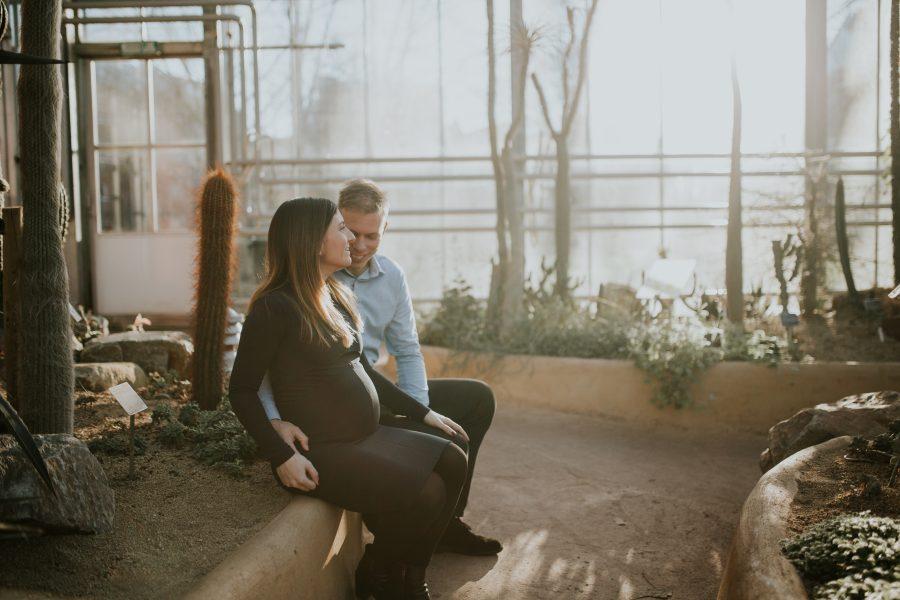 Pregnancy photoshoot Amsterdam Hortus Botanicus
